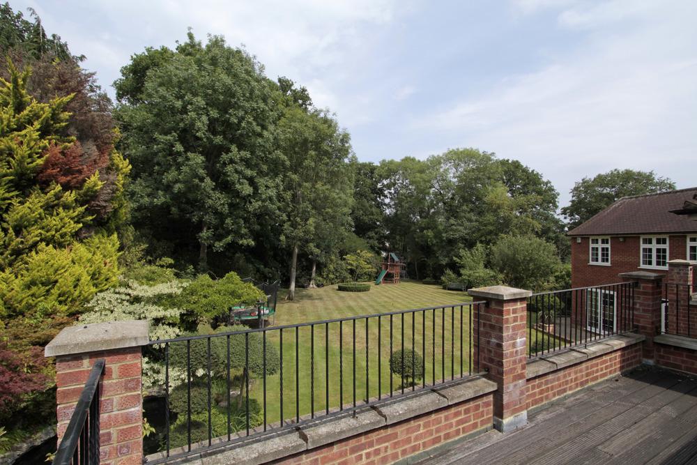 Thornley - Roof Tce - Gdn.jpg
