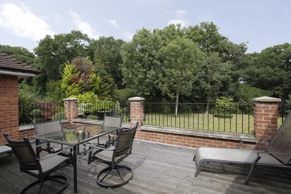Thornley - Roof Terrace.jpg