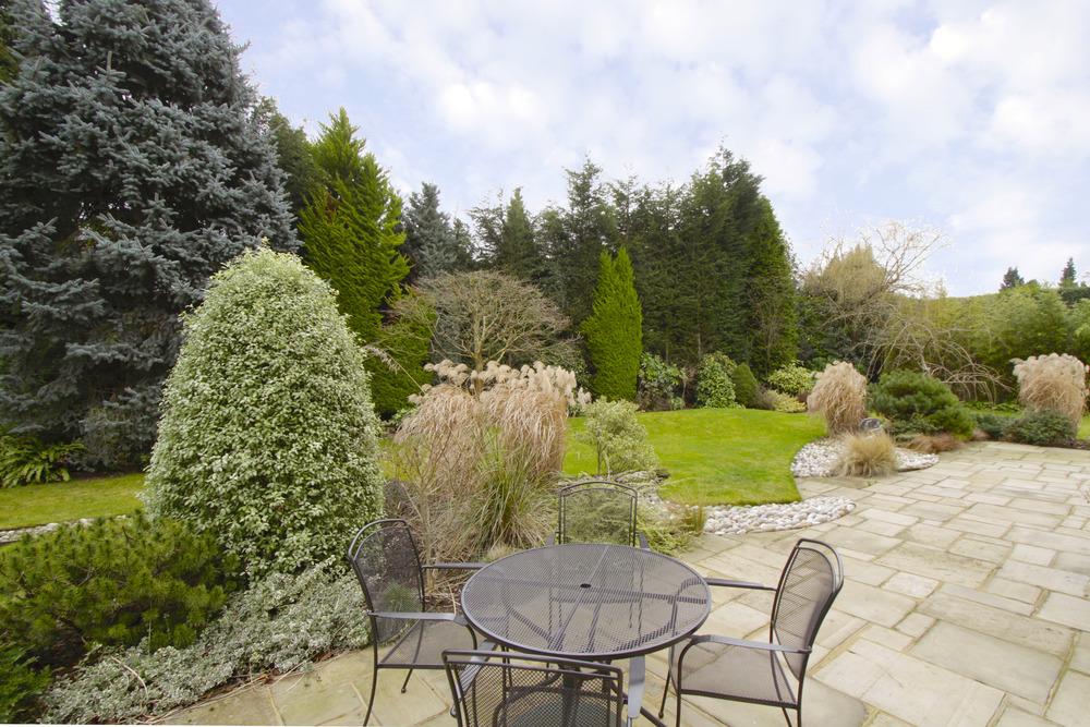 Caron - patio to garden.jpg