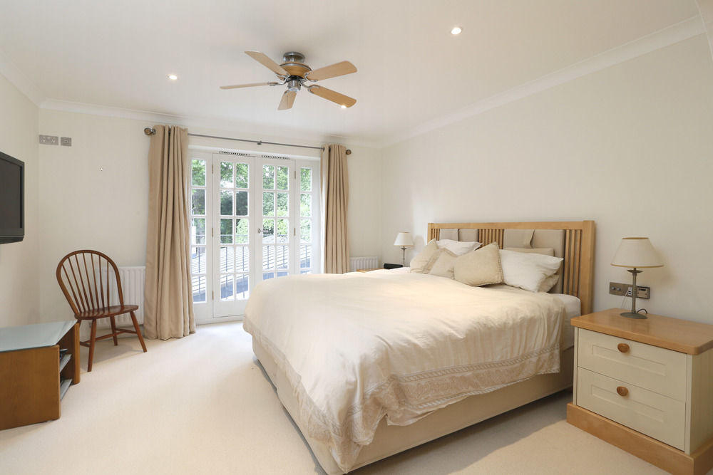 Coombe Lane West 125 - M Bed.jpg