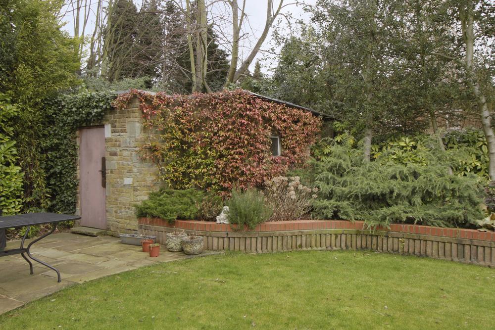 Caron - garden shed.jpg