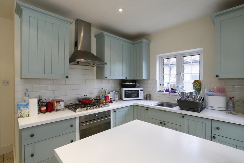 Matlock Way 7 - Kitchen.jpg