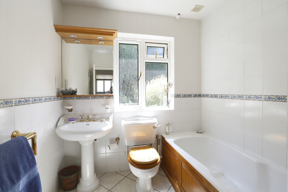 Ullswater Cresc 49 - Bath.jpg