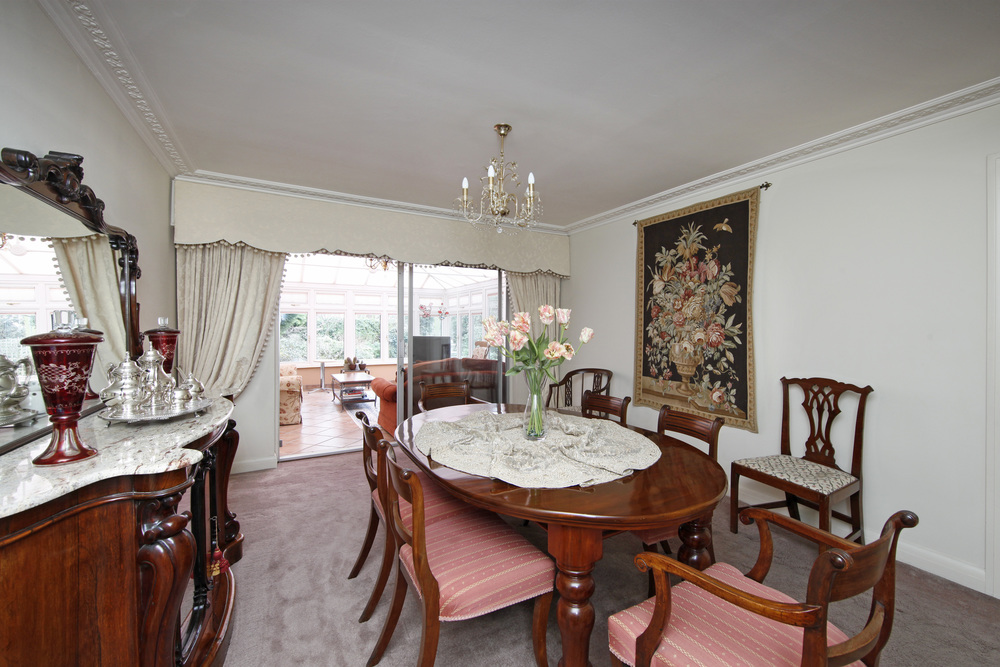 Coombe Lane West 120A - Dining.jpg