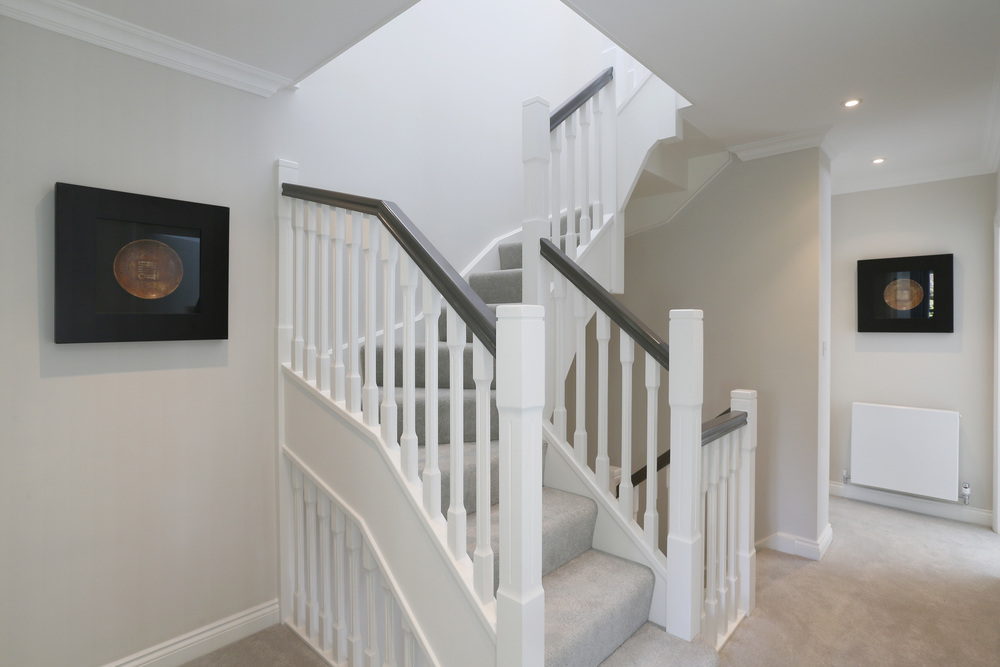 Winchester Close 2 - Landing stairs.jpg