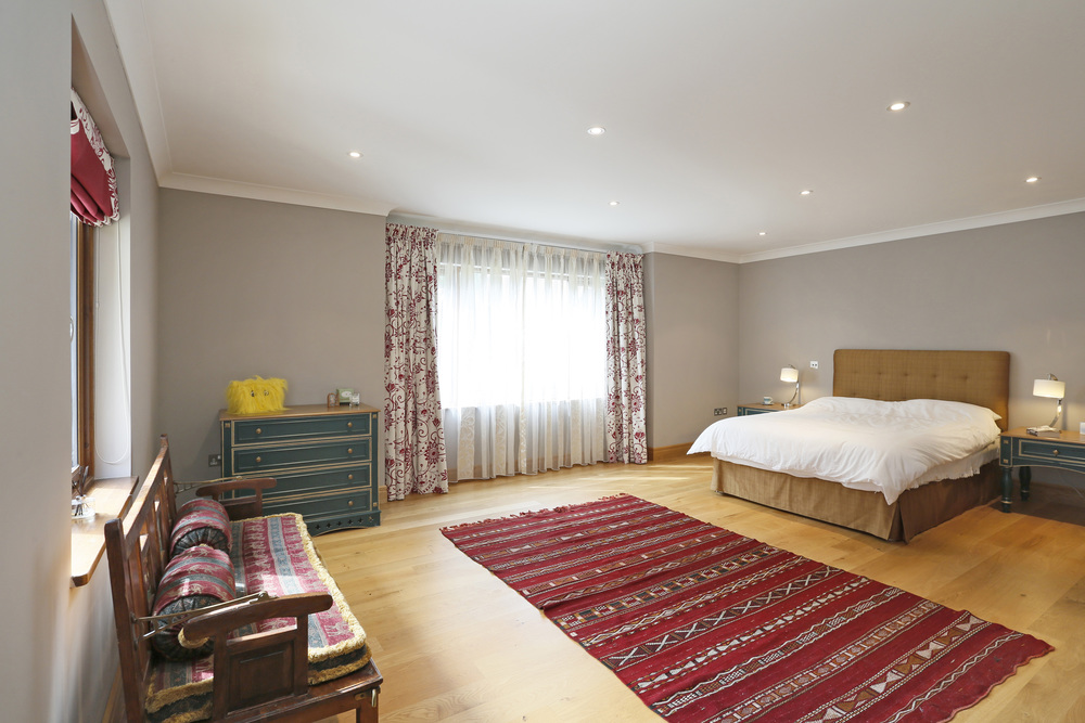 Coombeside - Bed2.jpg