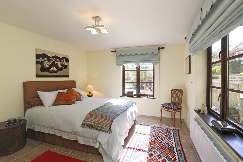 The Cottage - Coombeside - M Bed.jpg