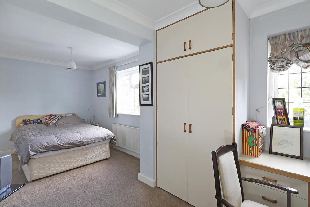 Burghley Rd 21 - Bed2.jpg