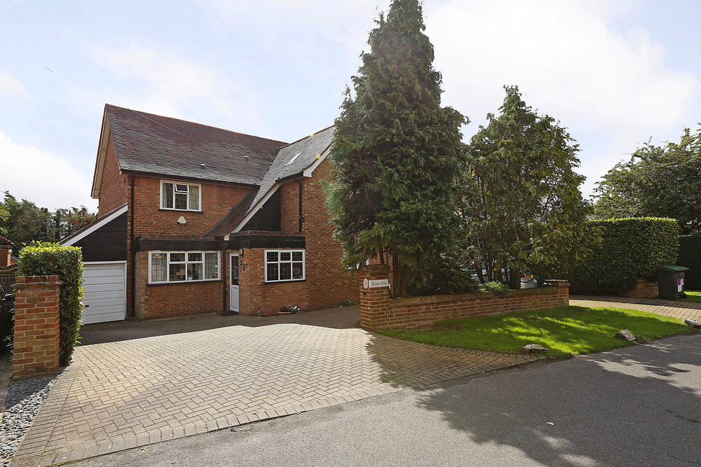 Burghley Rd 21 - Front Ext.jpg