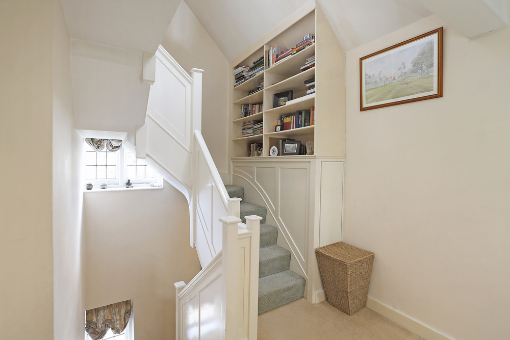 Burghley Rd 21 - Stairs.jpg