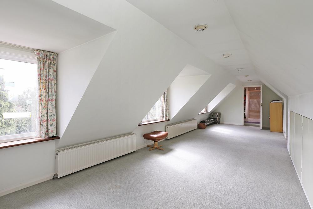 Burghley Rd 21 - Top Bed.jpg