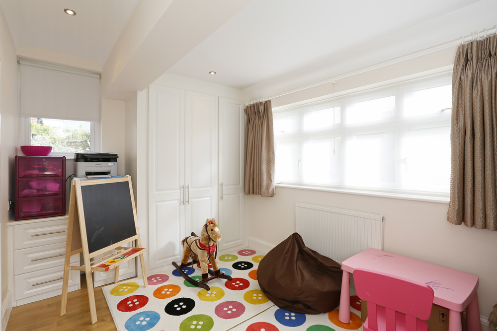 Coombe Lane West 40 - Bed2.jpg