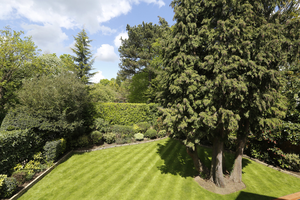 Winchester Close 2 - Gdn view.jpg