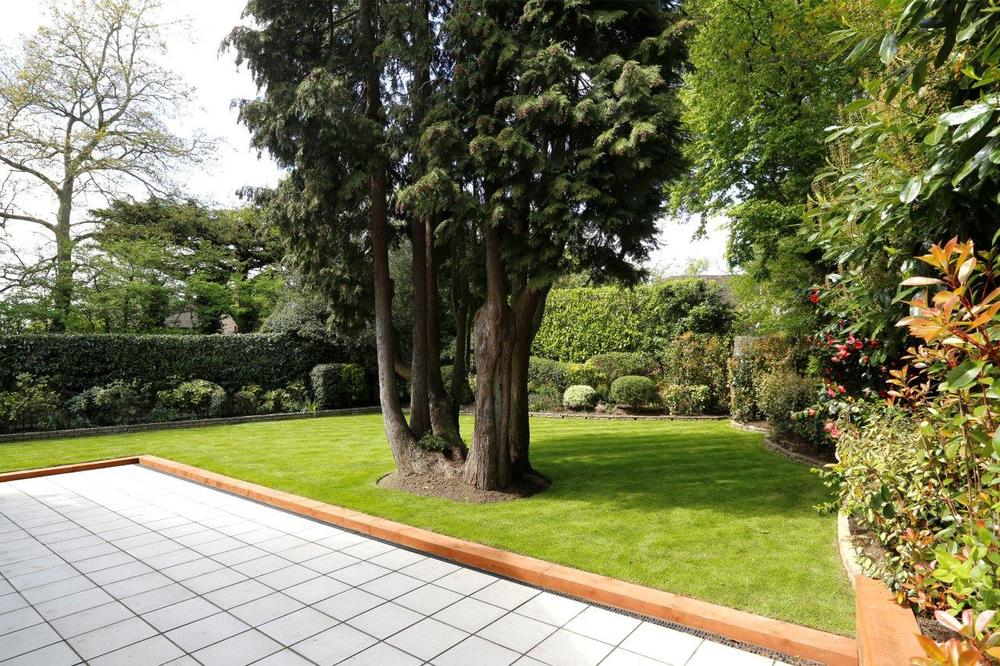 Winchester Close 2 - Patio.jpg