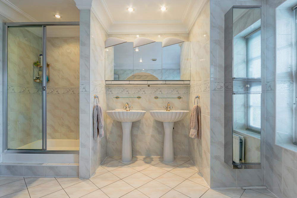 master ensuite shower.jpg