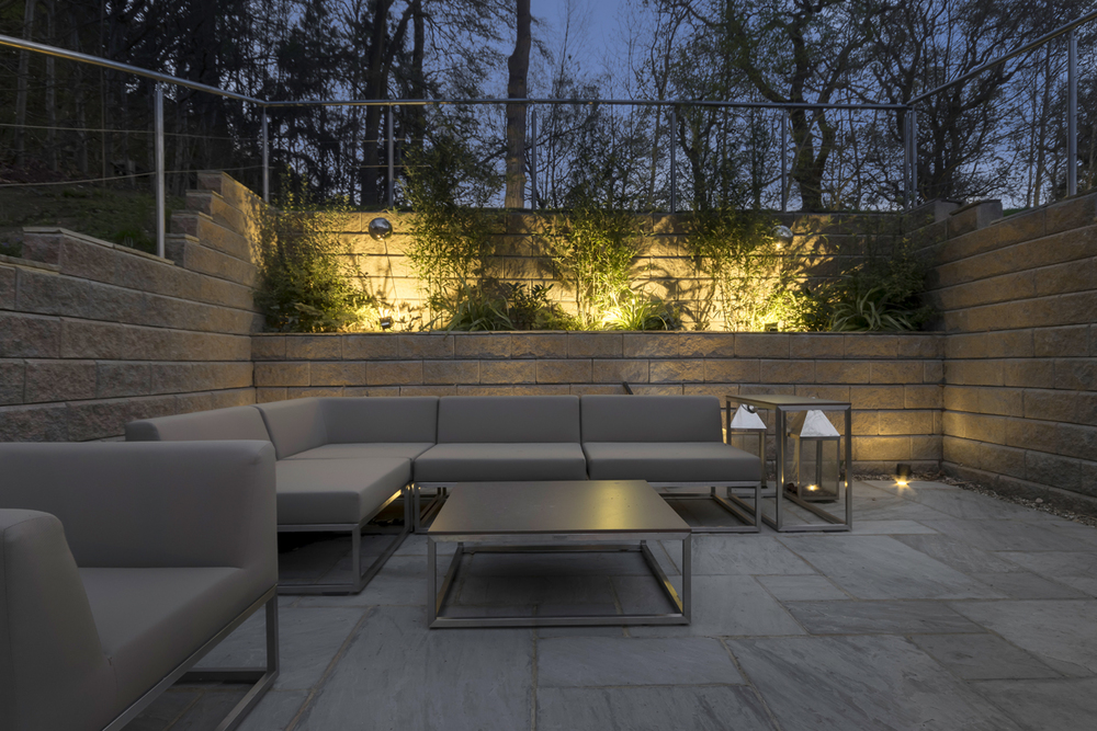 outdoor seating 3-2.jpg