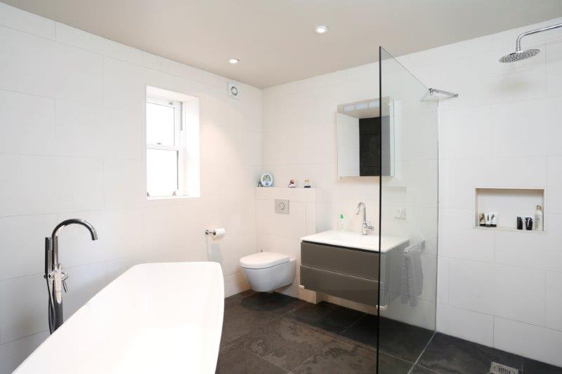Sycamore Grove 47 - Bathroom.jpg