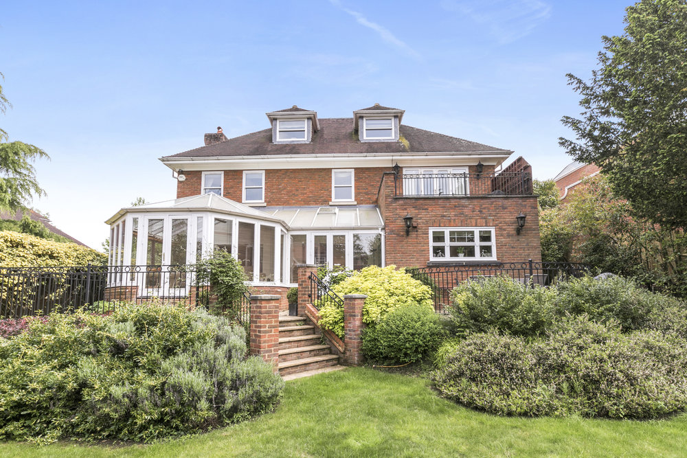 Mandarin-House,-Coombe-Hill-Road,-KT2-7DU-43.jpg