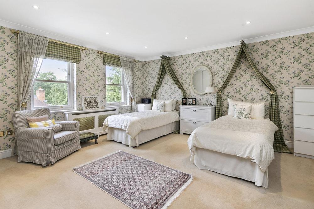 Mandarin-House,-Coombe-Hill-Road,-KT2-7DU-4.jpg
