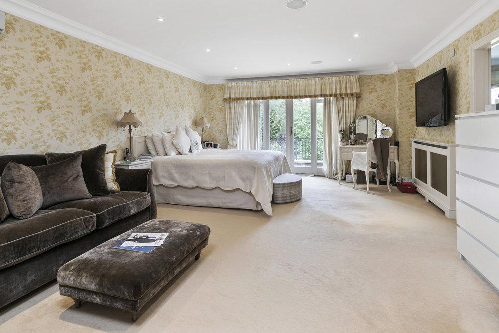 Mandarin-House,-Coombe-Hill-Road,-KT2-7DU-10.jpg