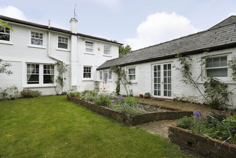 Neville Cottage - Fr Ext.jpg