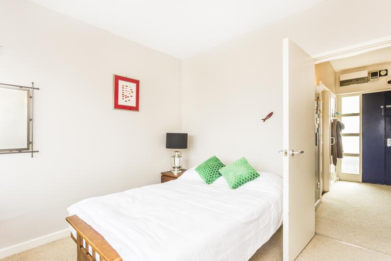 Mortimer House F12 - bed-3.jpg