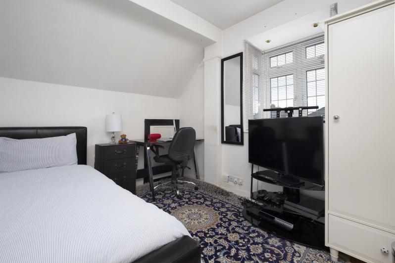 Beechcroft Avenue 54 - bed4.jpg