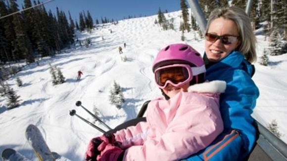 kid-granparent-skiing