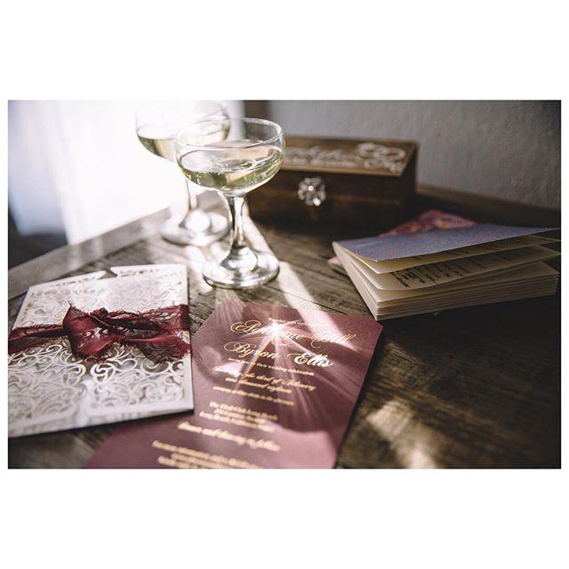 Love is in the details ❤️ . . . . . . . . . . . . . . . . . . . . . . #whitewedding #sayido #longbeachwedding #californiawedding #weddingphotographer #losangelesweddingphotographer