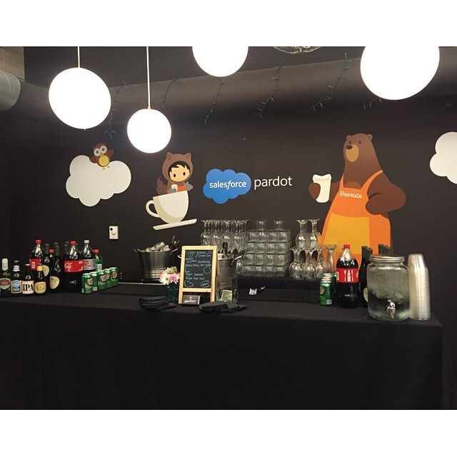 #Brainrider event co-hosted by #Dreamforce, bar set up in the Paradot room! . . . . . . . #beerwine #dreamforce #brainrider #salesforce #paradot #theliquidcaterers #tlc #barsetup