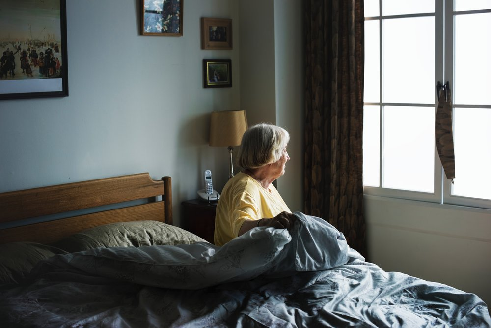 bed-bedroom-elderly-1877350.jpg