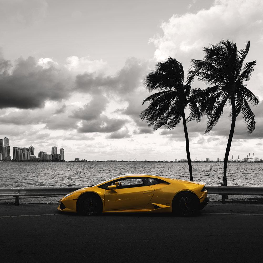 Lambo Yellow2.jpg