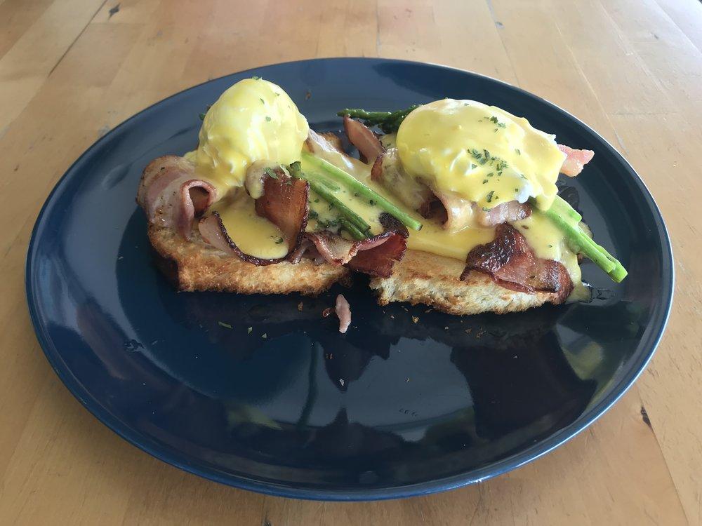 Eggs Benedict bacon.jpg