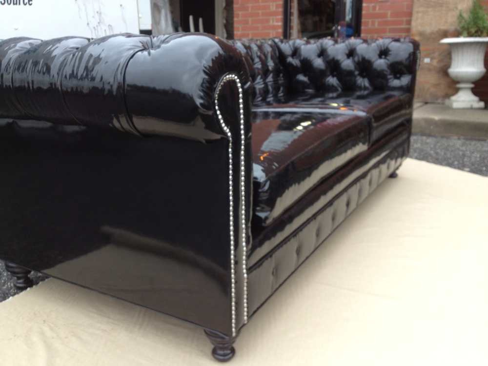 chesterfield sofa (3).JPG