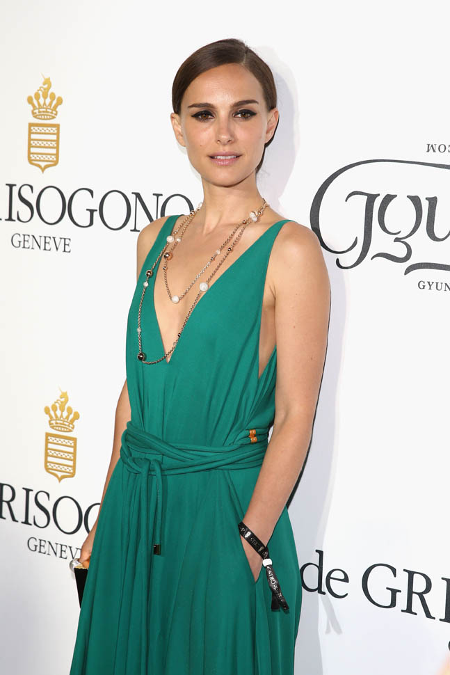 Portman at the premiere ofSicario in aLanvin gown.    Image Credit:   FameFlynet