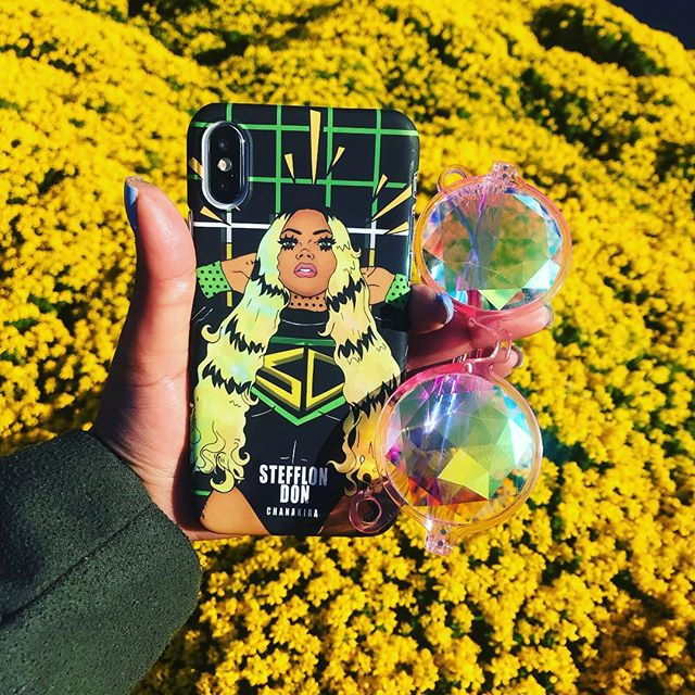 • Steff babes it's yours 💅🏾👯‍♀️ @stefflondon  #stefflondon #superwomen  #flowers #accessories #phonecase #anime #music #power #nature #art #london  #otaku #chanakirasan #pink #kawaii #badgirl #melanin #sunglasses #spring #artist #selfie #chocolate #style #fashion #foodie #british #bag #mua