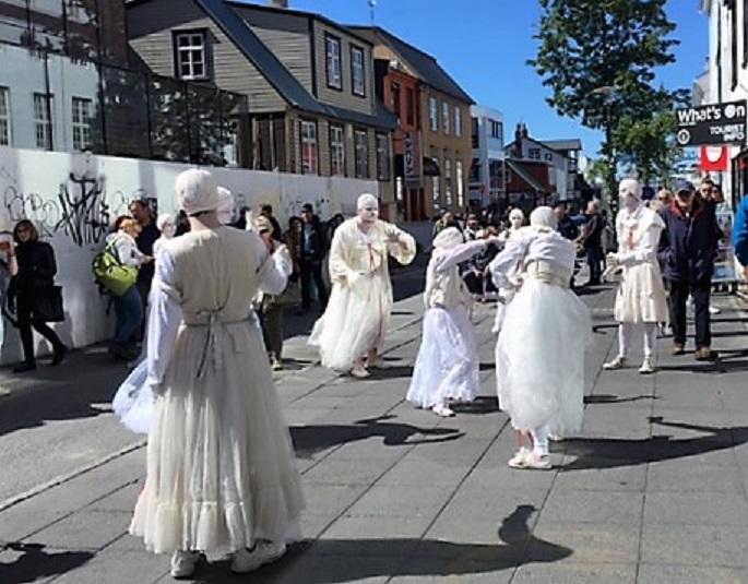 street dancers.JPG