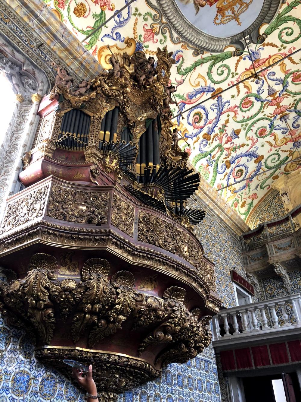 chapel coimbra organ.jpg