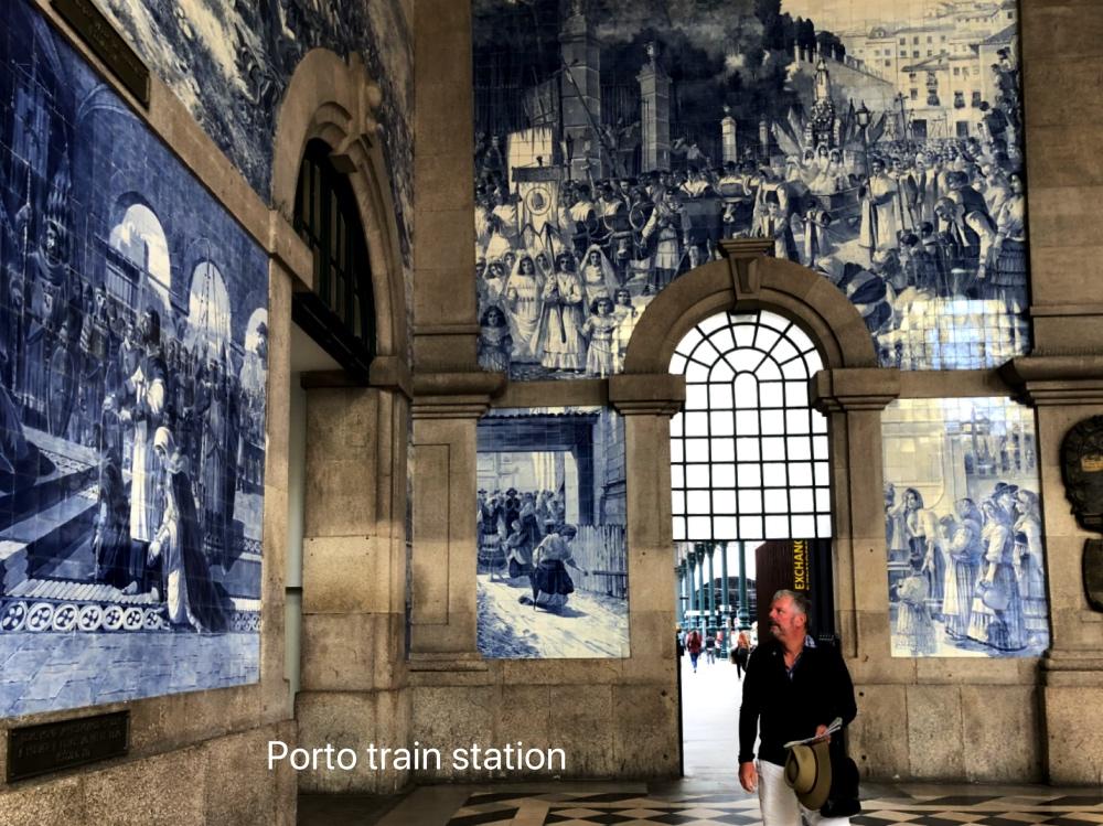 Porto train station.jpg