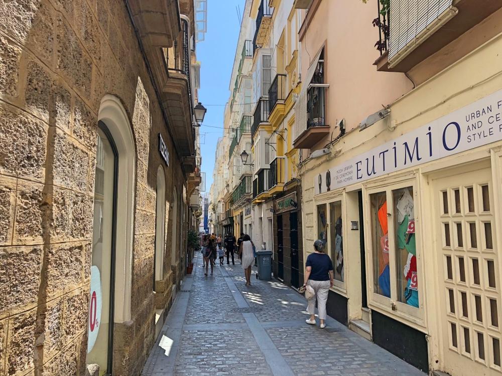 Cadiz street 2.jpg