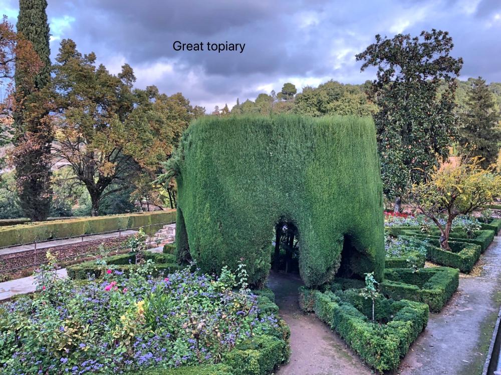 Al topiary.jpg