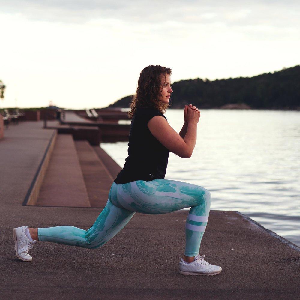 Silje Vik    Underviser   Cardio Yoga (Sykepleier/ PT)  Bli med og svett med denne vegan friskusen. Utrolig gøye timer som får svetten til på sprute.