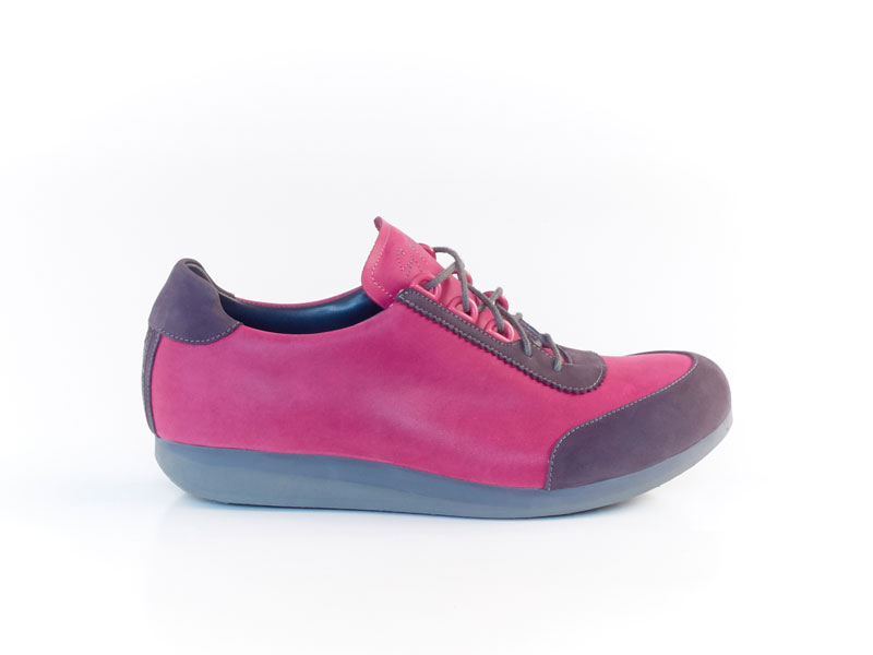 ©snique_handgemacht__sneakers_massschuhe_flexible_.jpg