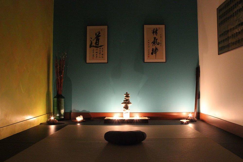 solstice meditation candlelight