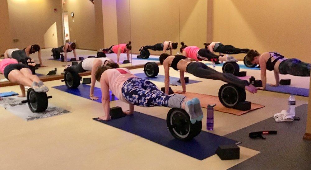 Yoga Pro Wheel Planks
