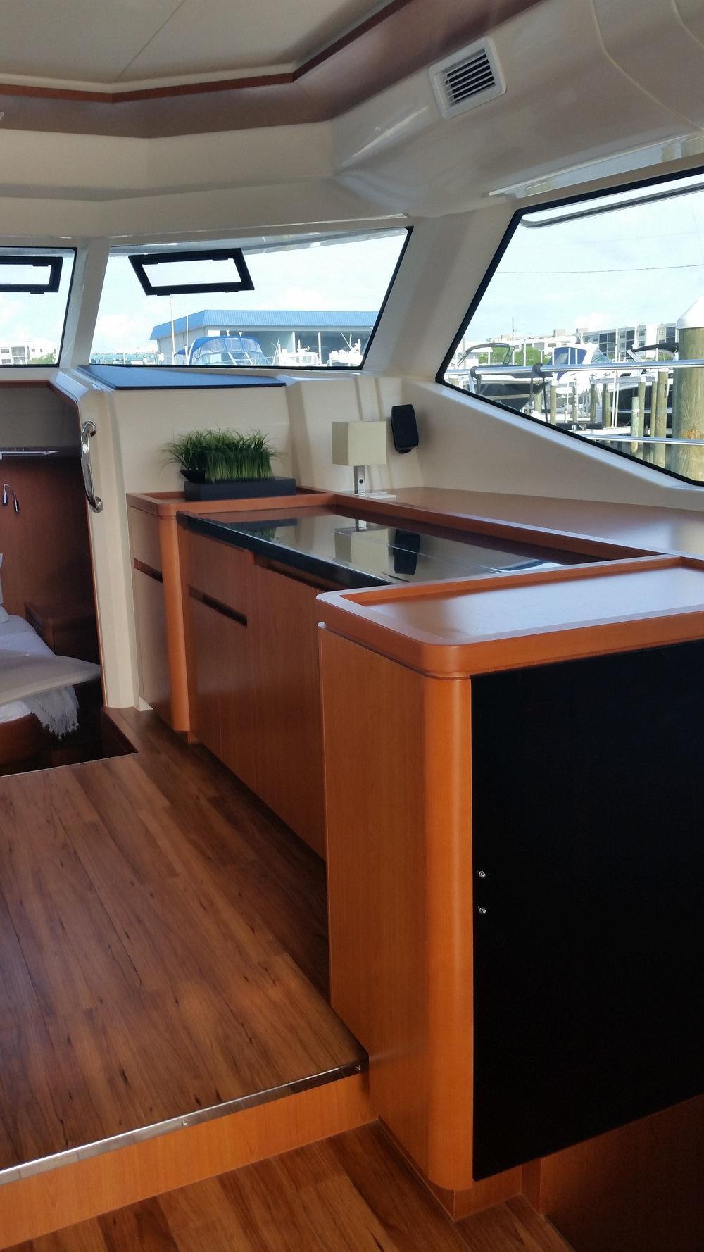 MarineMax 443 salon starboard cabinet.jpg