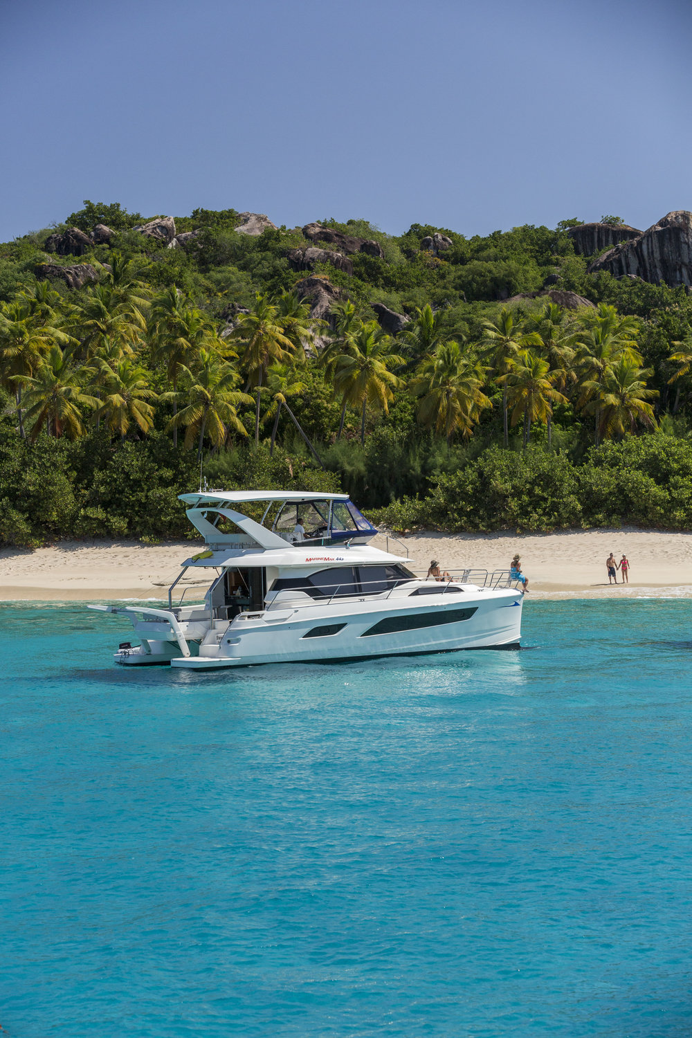 MarineMax 443 Trunk Bay.jpg