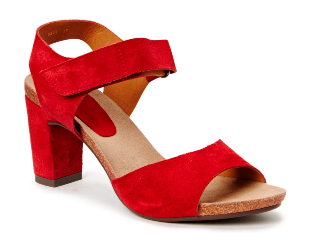 Billi Bi Sandal on soft cork sole Farve: Red babysilk suede 59 Pris: 999,-