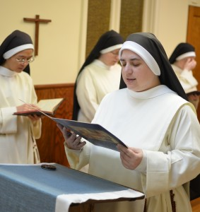 Singing the Last Gospel, Dominican Nuns