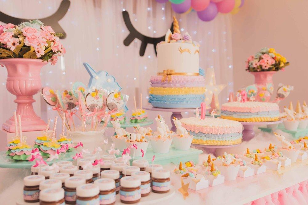 birthday-cakes-cakes-close-up-1857157.jpg